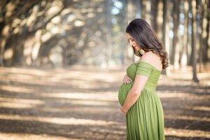 Pretty-Maternity-Photo-Ideas3