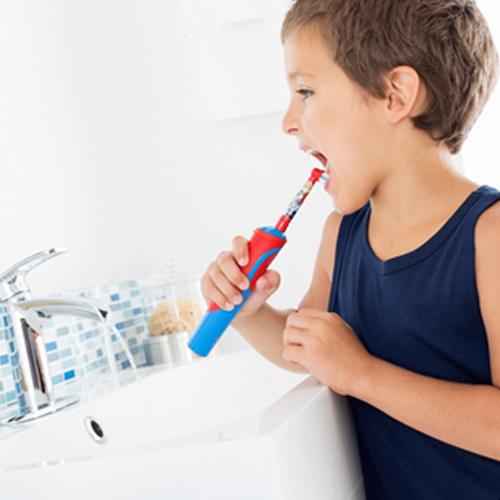 oral-b-ilektriki-odontovourtsa