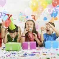 5 ιστορίες τρόμου που συμβαίνουν σε όλα τα παιδικά πάρτι.